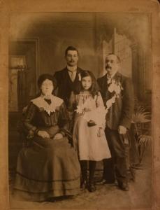 Hodge Family Photo 1903